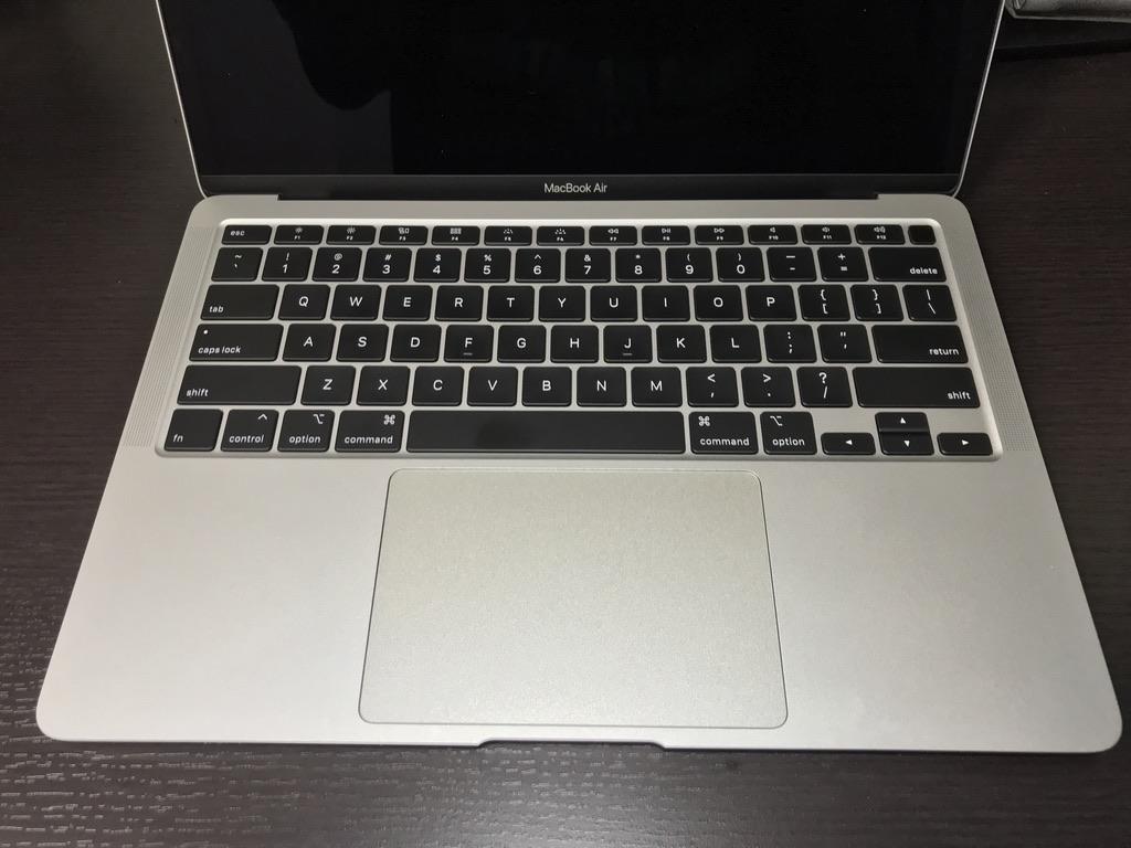MacBook Air2020のキーボードとトラックパッド