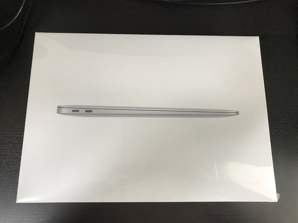 MacBook Air2020の外箱