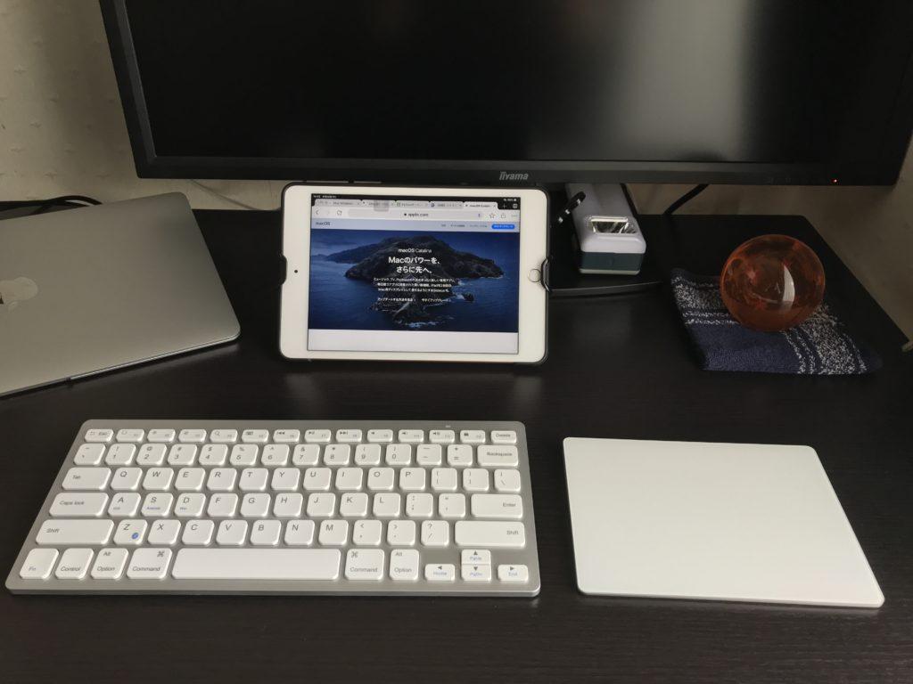 iPad mini5にMagic Keyboard2を接続して使用している画像