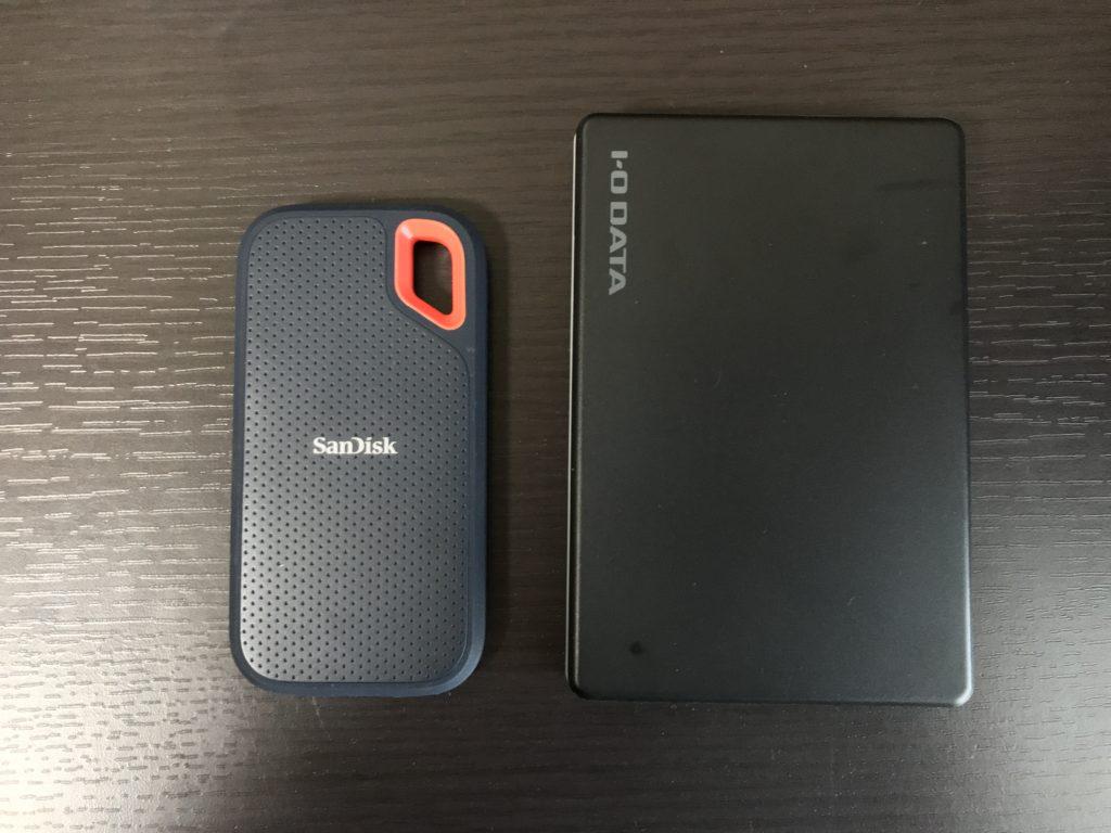 ポータブルSSDとHDDの大きさの比較